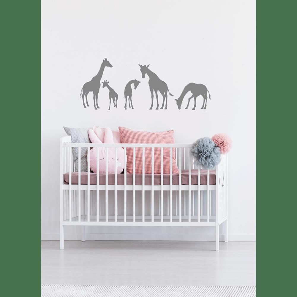 babykamer muursticker aanbrengen