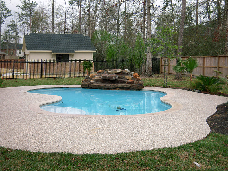 Swimming pool gravel