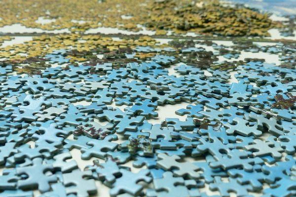 puzzelen in huis een stuk