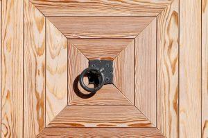 De voordelen van een elektrisch vloerluik op een rijtje