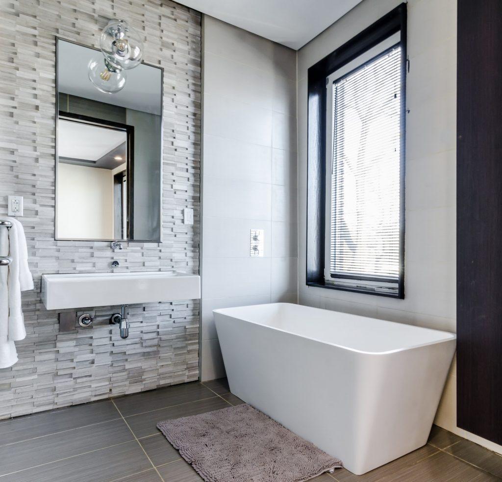 De voordelen van een douchepaneel in de badkamer